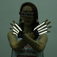 2PCS LED Glow Gloves Stage Show Props Light Flashing Finger Lighting Glow Luminous Gloves Party Supplies Light Up Gloves 1 Pair halloween colorful finger glow led gloves
