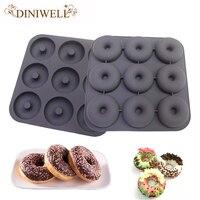 Diniwell耐熱皿&ツールベーキングペストリーモールド9-Cavityドーナツデザインシリコーンケーキ