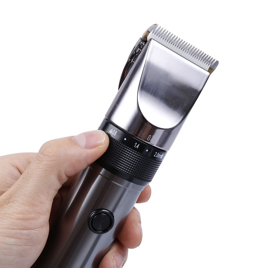 Rechargeable Hair Trimmer 0 8 2 0mm Adjustable titanium ceramic blade Electric Men s hair clipper