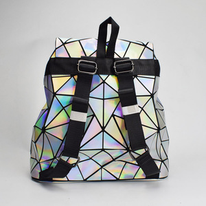 Image 4 - Nowy Luminous kobiety plecak szkolny Hologram moda geometryczne składane torby szkolne dla nastoletnich dziewcząt holograficzny sac a dos
