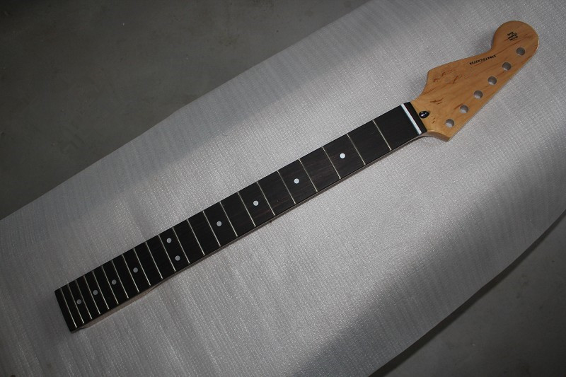 Electric guitar DIY semi-finished products Neck and neck ST left hand maple wood neck rose wooden fingerboard jennifer taylor home sofa bed hand tufted hand painted and hand rub finished wooden legs 65000 584 859 865