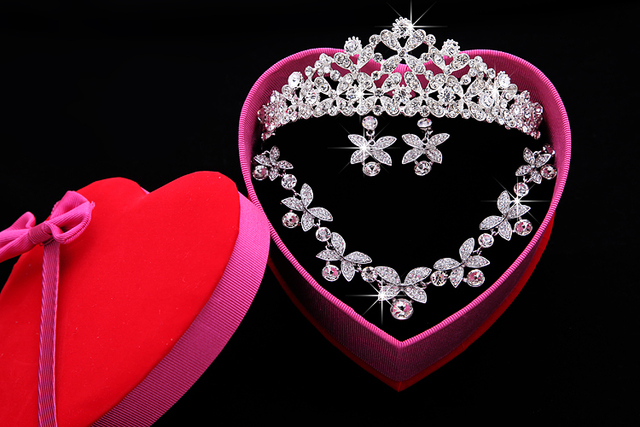 Wedding Accessories Sets Silver Plated African Bling Cheap Crown Bridal Accessories Online 2016 Cappelli Da Sposa