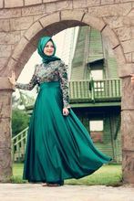 A-line With Hijab Green Color Lace Overlay Elegant High Collar Casual Muslim Long Sleeve Halter Neck Evening Dress Patterns