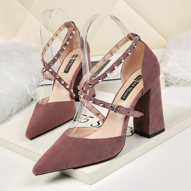 All Match Pointed Toe Block Heel Sandals Woman Summer Shoes 2019 Rivet High Heels Gladiator Sandals Ladies Party Shoe