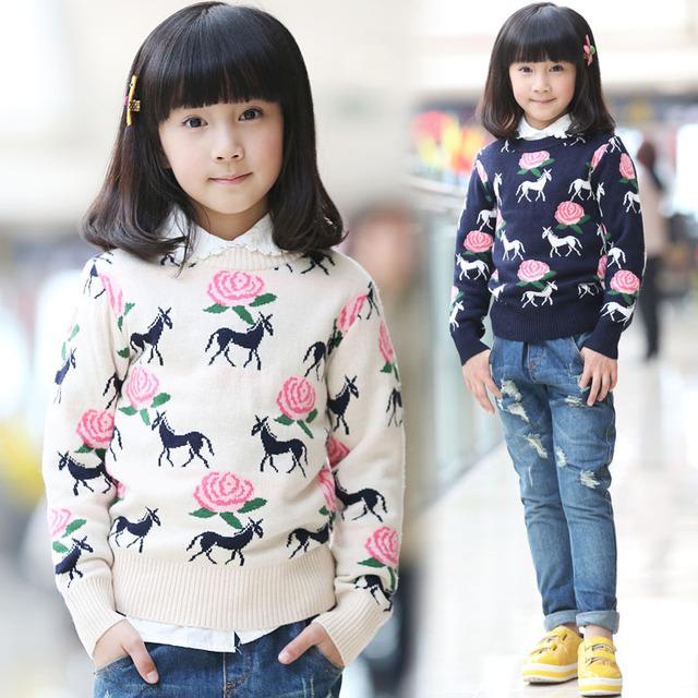 Novo 2016 moda Outono e Inverno meninas do bebê cavalo camisola crianças Cardigan sweaters O-pescoço crianças pullovers de malha grossa