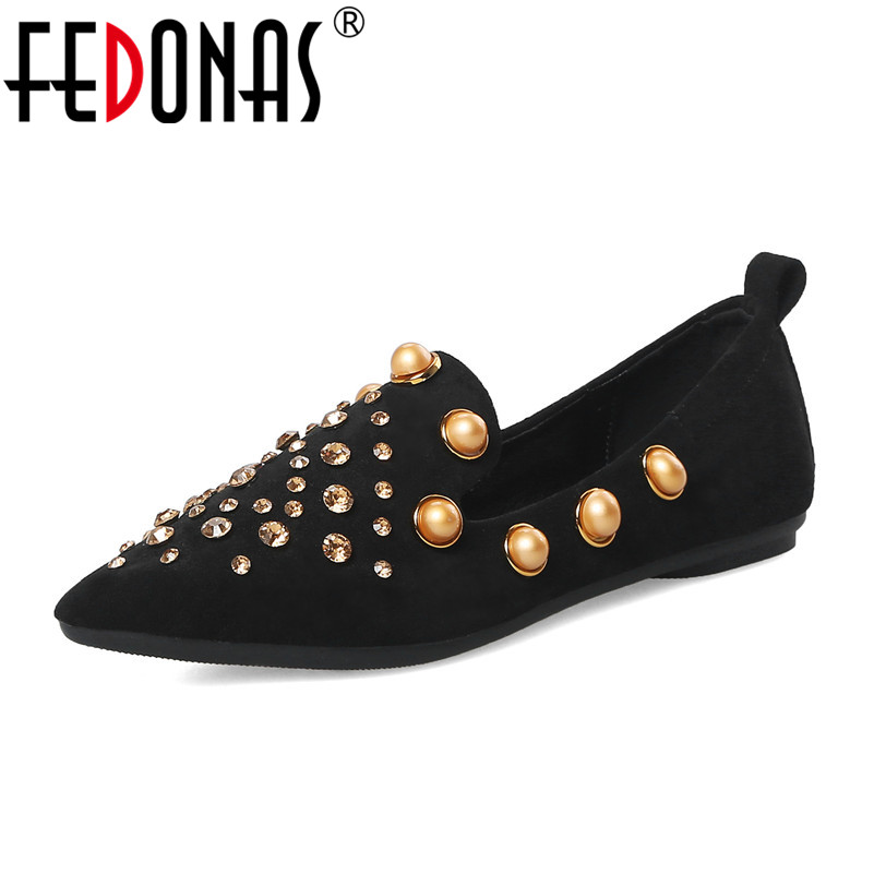 FEDONAS 2018 Women Flats Shoes Fashion Rivets Ballet Shoes Slip-on Pointed Toe Spring&Autumn Loafers Flats Shoes Woman New Shoes ladies shoes fashion rhinestone bow women flats spring slip on loafers women pointed toe flat shoes waman black brown flats