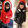 Envío gratis nuevo Invierno niños niñas corderos de lana con capucha de algodón acolchada chaqueta de la ropa de los niños