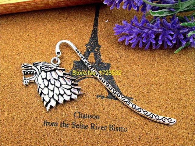 Marcapáginas de plata antigua con el encanto del lobo del sigilo de la casa Stark del juego del trono