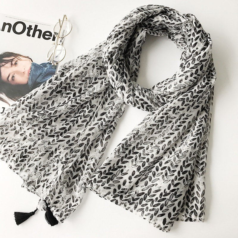 Fashion winter scarf wheat pattern shawl black tassels brand Muslim hijab scarves headbands soft foulard new printed pashmina
