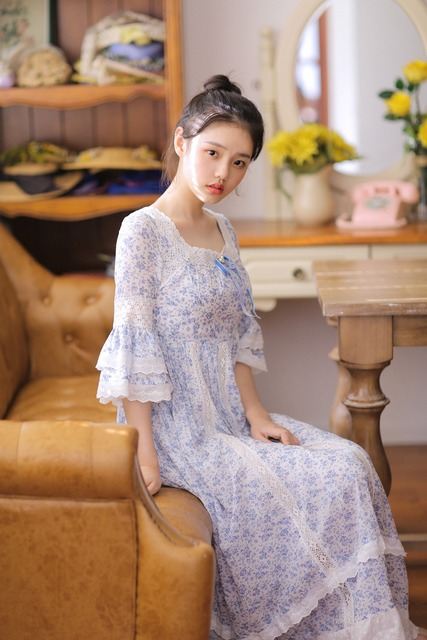 LYNETTE'S CHINOISERIE Autumn New Original Design Women blue and white print cotton square collar lace royal vintage dress