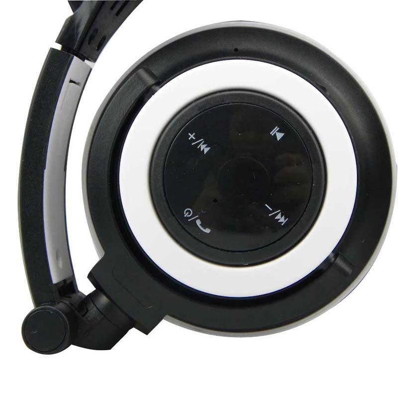 E0669-Cat headphones-1 (5)