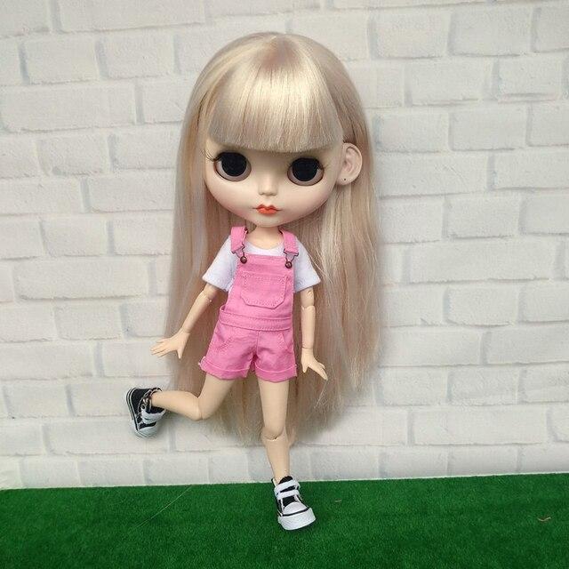 Novedad Blyth muñeca trajes camisetas conjunto babero pantalón ropa para  muñeca Neoblythe ... 84bdebefde25
