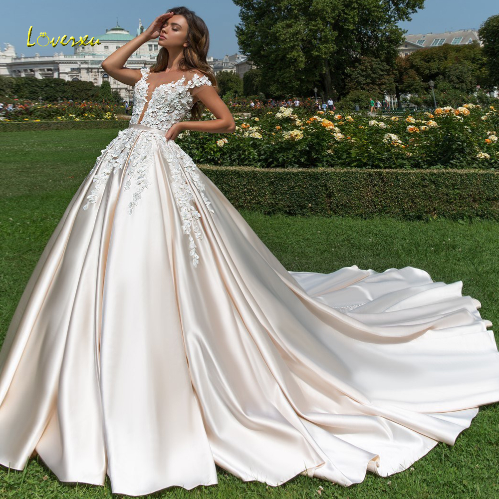 Loverxu Short Sleeve Princess Ball Gown Wedding Dresses 2019 Sexy Applique Beaded Flowers Chapel Train Satin