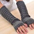 Projeto de longo semi-dedo dorme demais luvas de malha térmica mangas outono e inverno braço manga