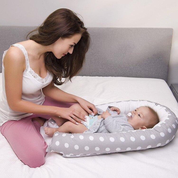 Livraison gratuite 2018 nouveau coton américain bébé utérus Bionic bébé berceau Portable amovible et lavable nouveau-né lit bébé nid