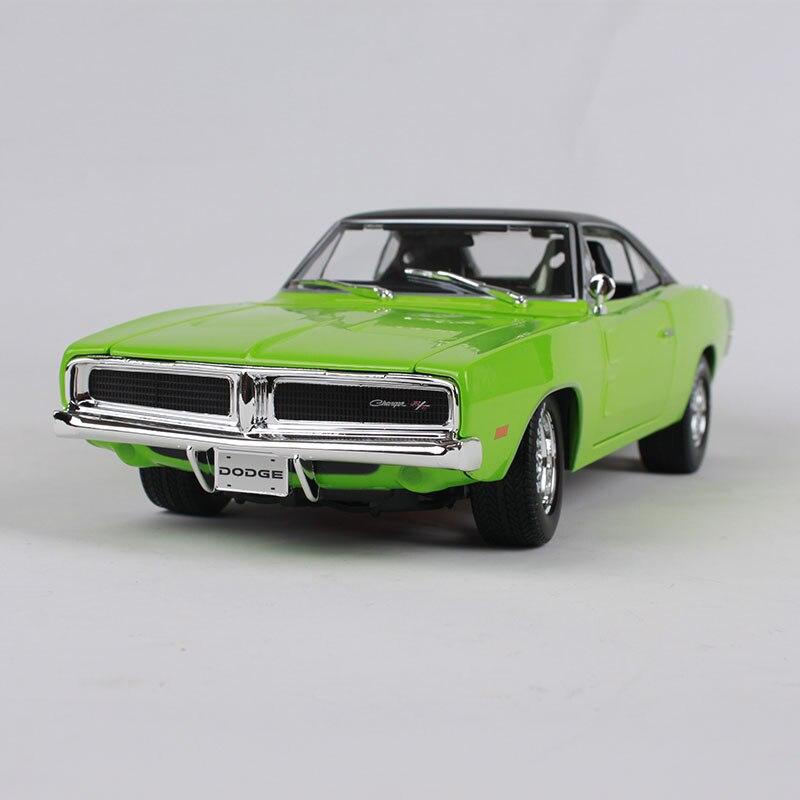 Maisto 1:18 1969 Dodge Charger RT voiture moulé sous pression vert voiture miniature 290X105X70 précieux collecte car modèle voiture jouets pour les hommes 32612