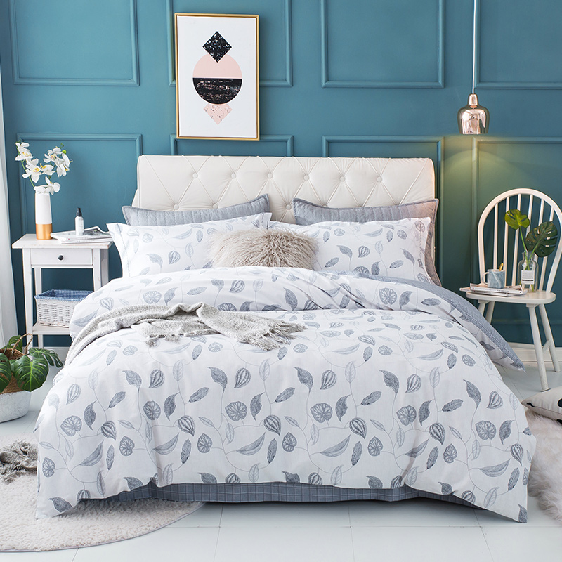 4Pieces Leaves printing Queen King size Bedding set 100% Cotton Soft Bedsheet set Duvet cover Pillowcase4Pieces Leaves printing Queen King size Bedding set 100% Cotton Soft Bedsheet set Duvet cover Pillowcase