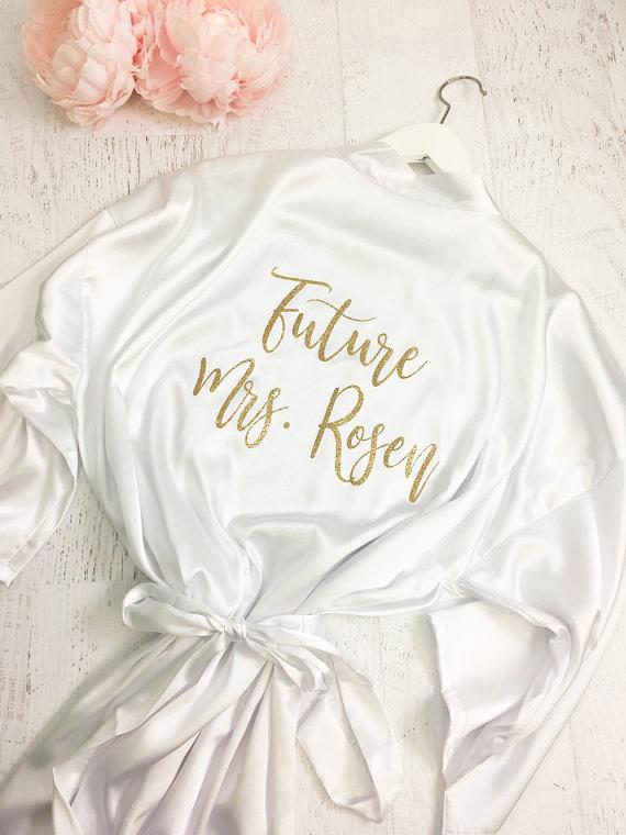 התאמה אישית של עתיד גברת חתונה נצנצים שושבינה כלה להיות סאטן גלימות פיג 'מת חלוק kiminos קישוטים למסיבת מתנות