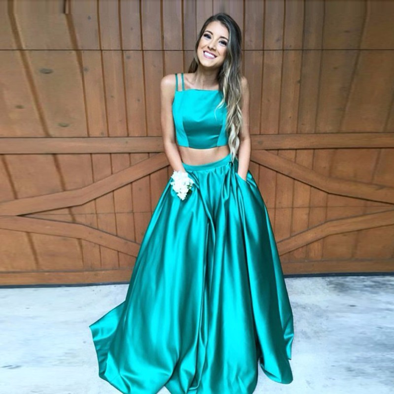 2017 Green Two Piece Prom Dresses Sexy Vestidos De Formatura Spaghetti Strap Girls Formal Evening Gowns Imported Party Dress