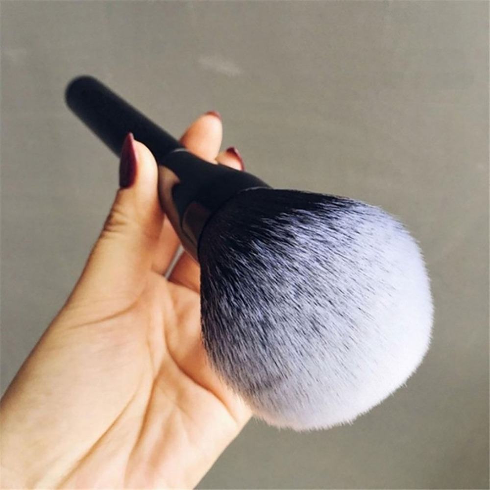 Pro Makeup Brush Beautiful Cosmetics Brush Soft Large Blush Powder Foundation Brush Universal Cosmetic Make Up Brush Tool