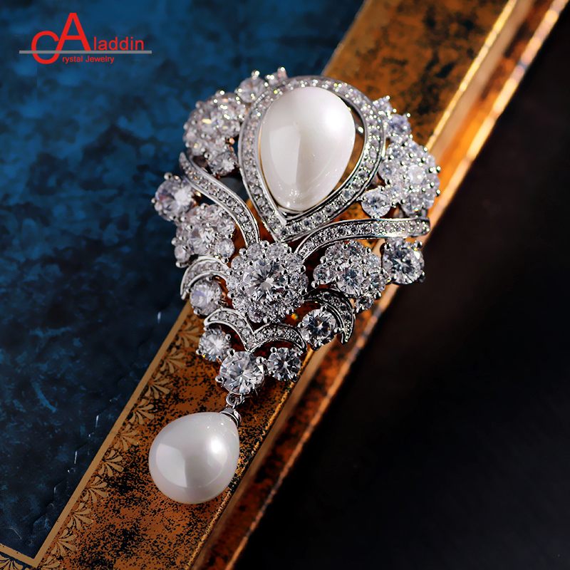 Aladdin luxurious Cubic Zirconia Brooches Metal alloy Trendy Plant pearl brooch Big pins Silver plated Hyperbole Ethnic gift alloy faux pearl owl brooch