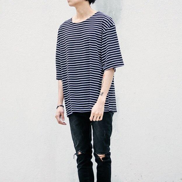 Ropa urbana estilo del verano para hombre rayada camiseta de gota de gran  tamaño Tee camisas db16e6c8eef