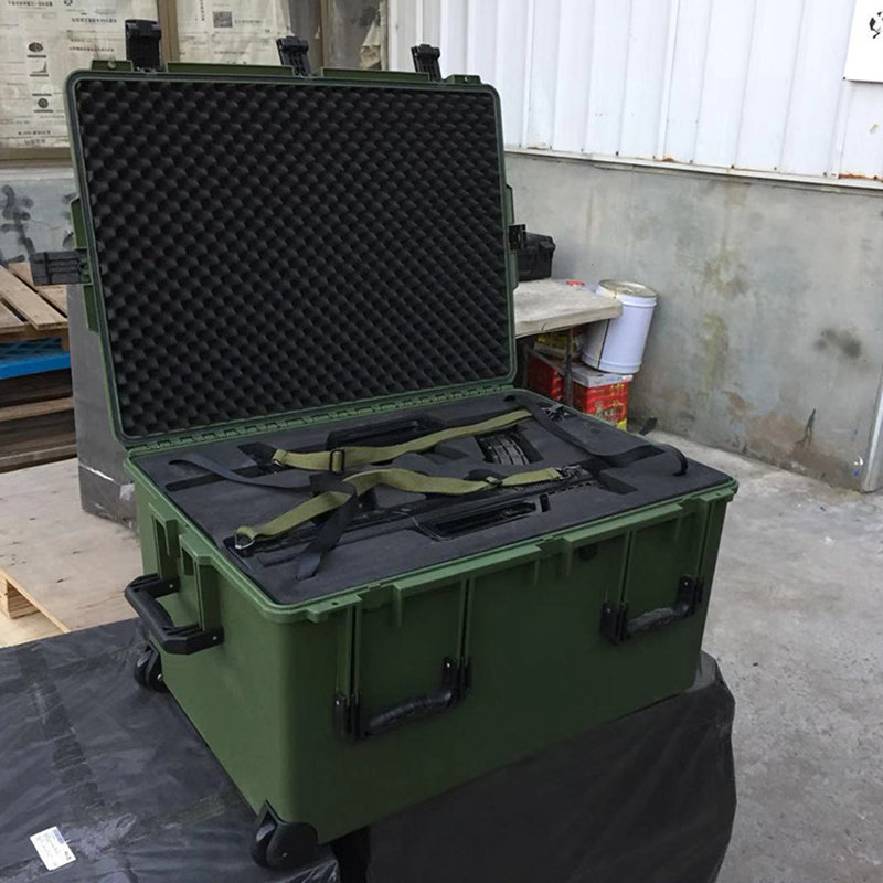 Tricases Military Standard Customized EVA Foam IP67 Hard PP Plastic Big Gun Case  M3075 With Pull Rod And Wheels