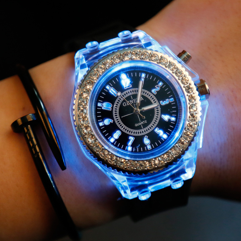 Led Silikon Uhr Frauen Männer Sport Mode Damen Outdoor Armbanduhr Relogios Masculino Leuchtende Uhren Erkek Kol Saati Reloj Uhren
