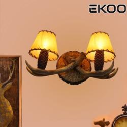EKOO Amerikaanse dorp Rustieke Herten Gewei pine cone lampenkap Wandlamp Verlichting Vintage Industriële Hand-gemaakt voor Thuis licht