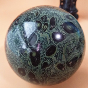 Image 3 - 6/7/8/9 センチメートル自然の緑孔雀の石クリスタルボール石美しい家の装飾ボールデスク風水風水治療ボール