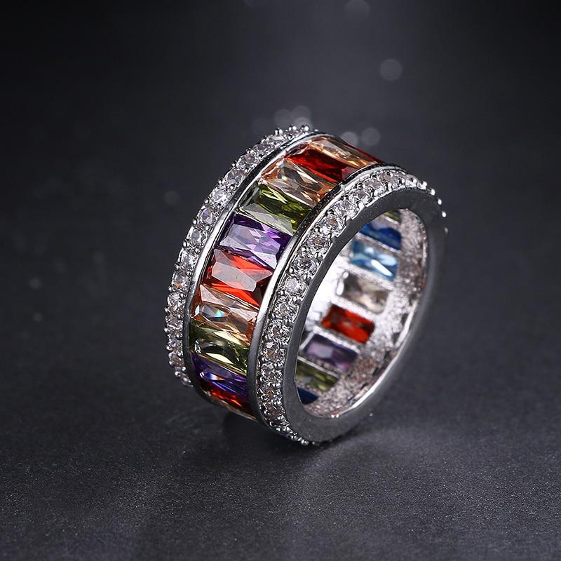 Emmaya Lyxiga Fingerringar för kvinnor Vitguld Färg Top Quality Engagement Vigselring CZ Crystal Smycken Surprise Gift