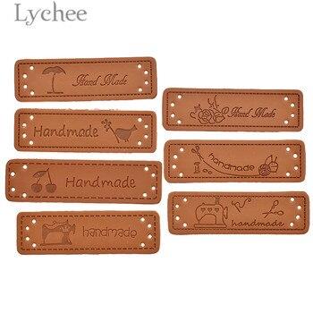 Lychee 50 Uds. Etiquetas de cuero PU hechas a mano pájaro máquina de coser patrón sello en relieve DIY bandera etiquetas para la Ropa Accesorios de costura