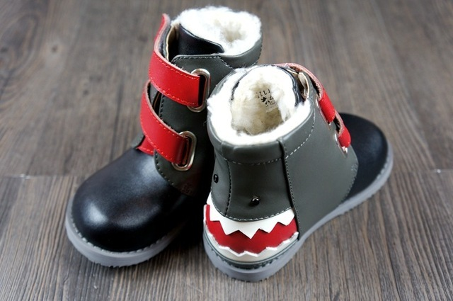 2016 New baby moccasins boots Genuine Leather baby shoes Non-slip warm for winter boy babe boots 100% hand-made cartoon shark