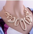 Novo 2015 QUENTE! gota de água exagero de luxo de ouro irregular Geométrica banhado liga gargantilhas colar para as mulheres