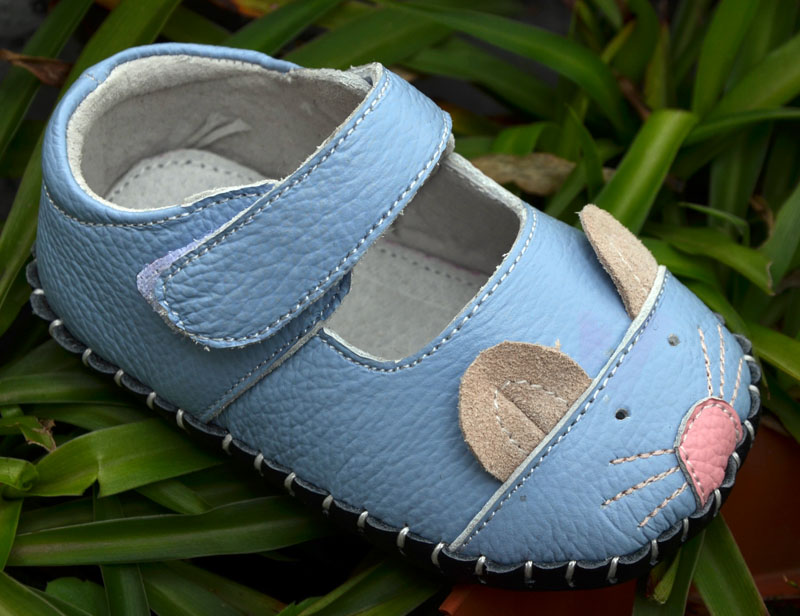 scarpe da bambina in vera pelle suola morbida primi camminatori scarpe da bambino scarpette da culla mouse 3D carino bianco blu zapatos de bebe