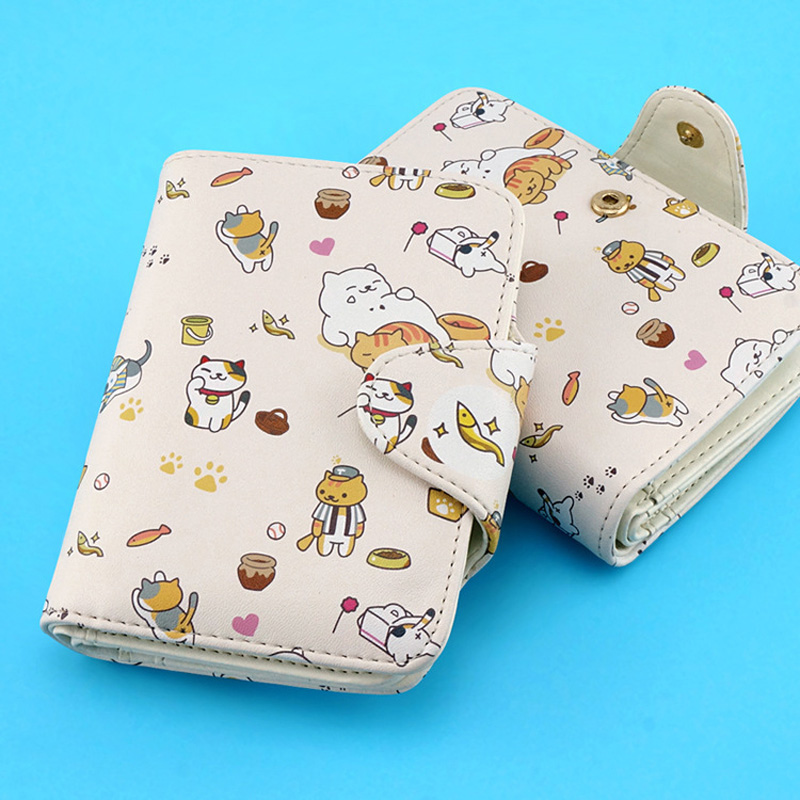 Neko Atsume Wallet Cute Cat Backyard Japanese Anime PU Leather Short Purse Hasp Ladies Wallet Kawaii Card Holder for Boys Girls suicide squad neko atsume yo kai watch doctor strange gravity falls high quality pu short wallet purse with button