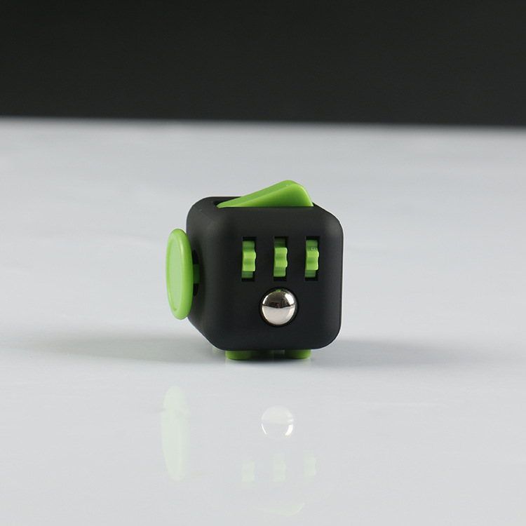 E black green