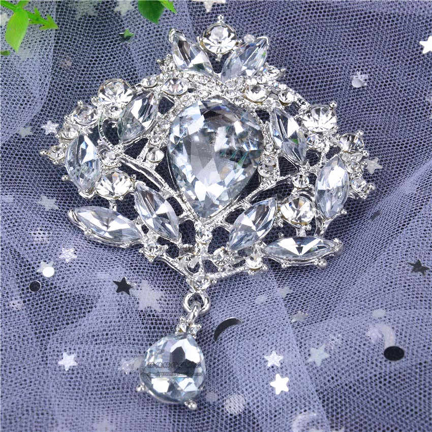2 PC Elegante gota de água cristal Rhinestone Broche Pin Leopardo Presente Simulado Da Nota da Música Da Moda Broches de Flor Broche Coroa