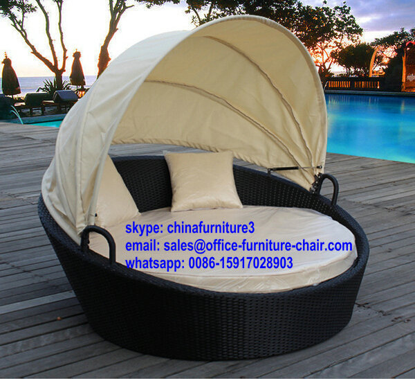 Round Shape Hollow White Rattan Outdoor Furniture Wholesale Couches