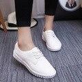 2016 de Las Mujeres zapatos casuales Blancos zapatos de mujer Plana pu zapatos de Las Mujeres zapatos con cordones de Verano Deporte Respirable libre gratis