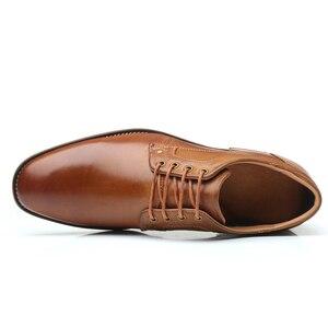 Image 2 - YIGER chaussures habillées pour hommes, nouvelle collection, chaussures formelles, à lacets, grande taille, en cuir véritable, augmentation, chaussures pour hommes, 0301