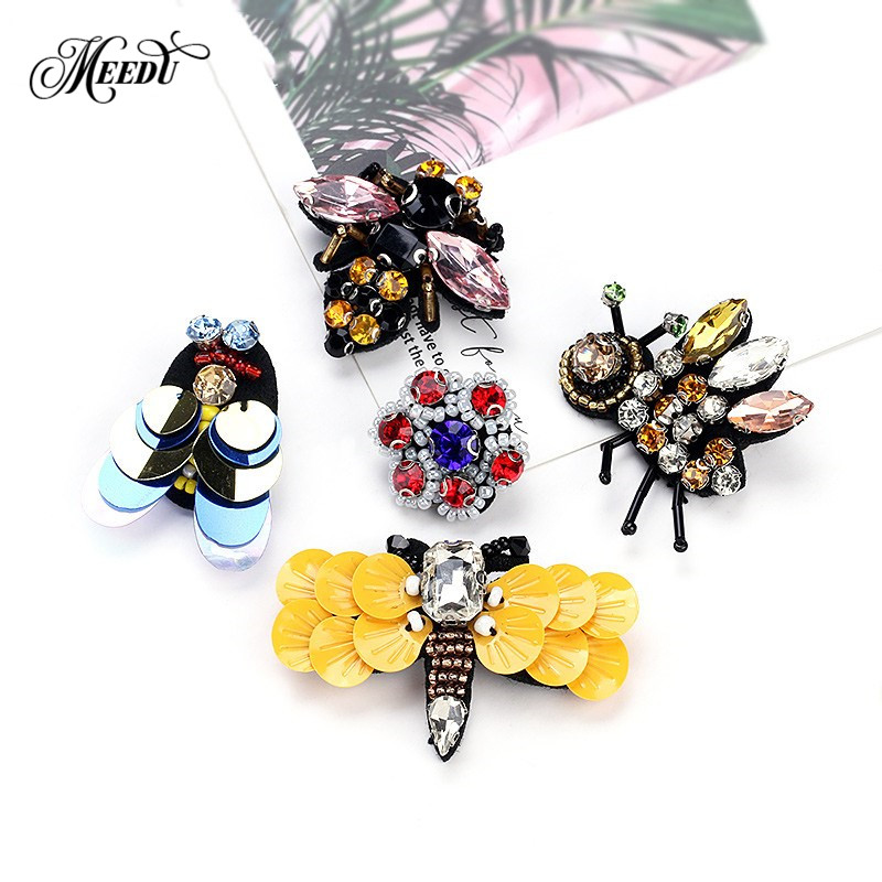 MEEDU Natural Animals Jewelry Brooch Pins Flower Bee Dragonfly Insect Brooches  For Women Kids Fabric Banquet b58e71730324