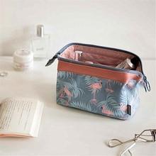 купить Flamingo Pattern Travel Cosmetic Bag Makeup Bags Handbag Female Zipper Purse Small Make Up Bags Travel Beauty Organizer Pouch по цене 157.73 рублей
