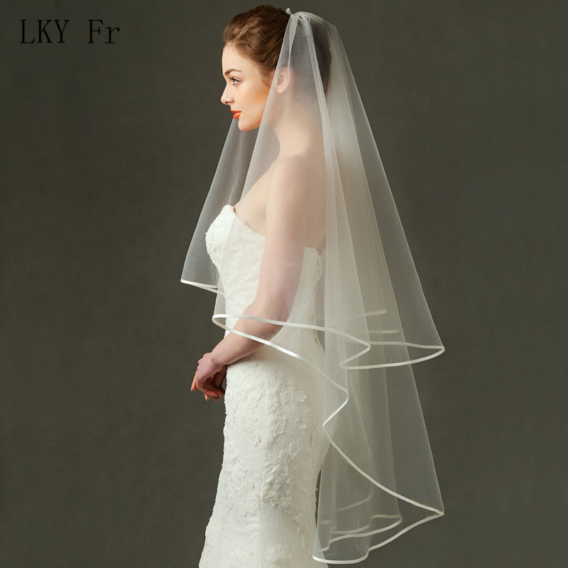LKY Fr Wedding Veil Ivory 2 Layer Bridal Veil With Comb Lace Ribbon Edge Cathedral White Elbow Length Beading Wedding Veil Short