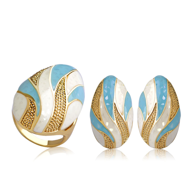 Blucome Classic Enamel Oval Earrings Ring Set Gold Color Alloy Boucle d'oreille Anillo Women Lady Engagement Party Jewelry Sets