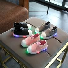 2017 új európai LED gyerekek cipő kiváló minőségű divat lányok fiúk cipő forró eladási világítás izzó baba gyerek cipő