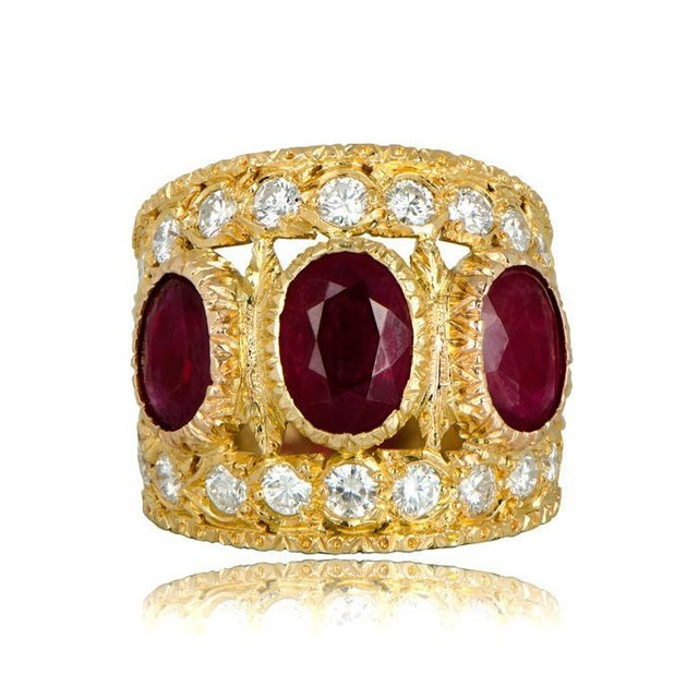 Большое Золотое кольцо с красным фианитом и камнем для женщин