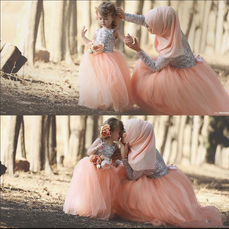 Lovely Tulle Ball Gowns with Handmade Flower Ribbon New Flower Girl Dress Silver Sequined Top TuTu Toddler Baby Birthday GownsLovely Tulle Ball Gowns with Handmade Flower Ribbon New Flower Girl Dress Silver Sequined Top TuTu Toddler Baby Birthday Gowns