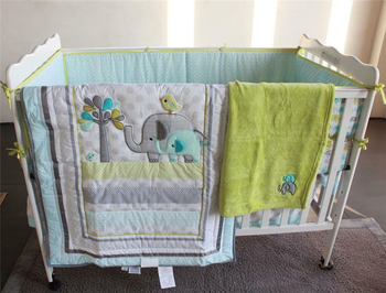 цена на Infant 5pcs Bedding Set Elephant Baby Crib Nursery Quilt Skirt Sheet Bumper Gift Baby Bedding Set