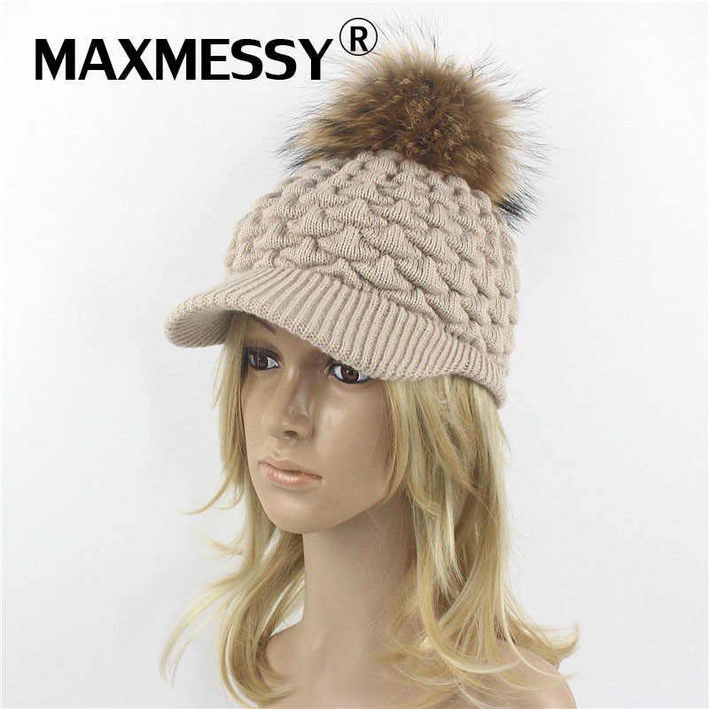 Maxmessy mujeres del invierno gorra de béisbol con mapache pompones señora  de la manera regalo del 8350ad083ac